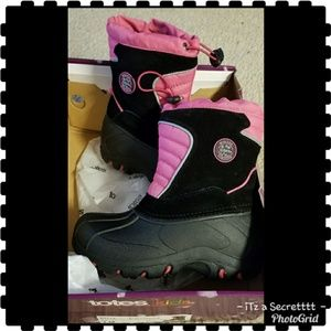 "totes ""Snow/Winter Boots""  Pink & Black"
